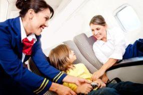 При пътуване с деца в самолет